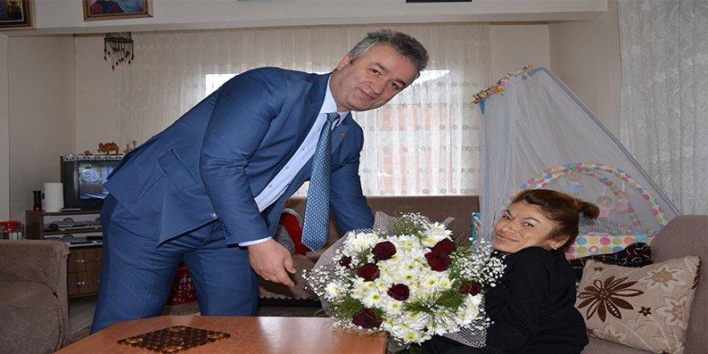 19 Mayıs Belediye Başkanı Osman Topaloğlu'ndan Ev Ziyaretleri