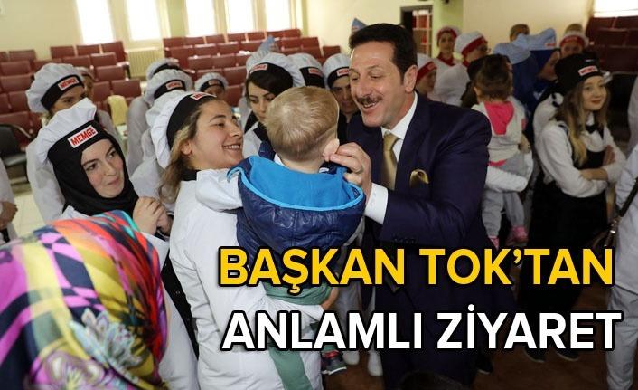 Başkan Tok'tan MEMGE kursiyerleriyle Çocuk Evi ziyareti