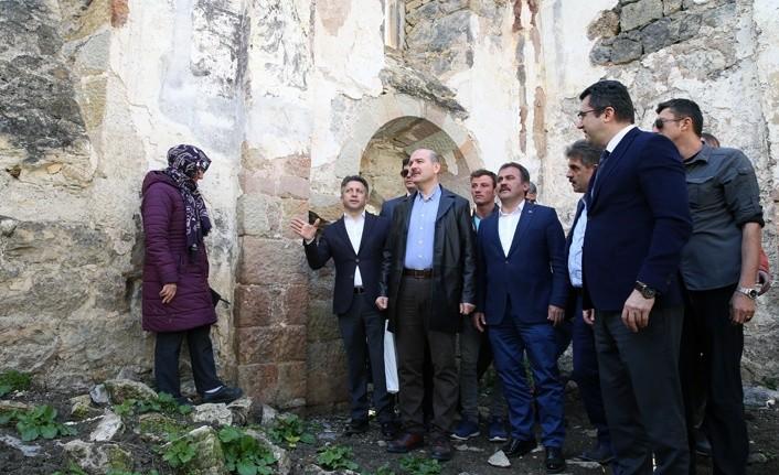 İçişleri Bakanı Süleyman Soylu Santa Harabeleri'ni ziyaret etti