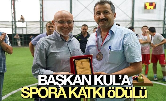 Başkan Kul'a spora katkı ödülü