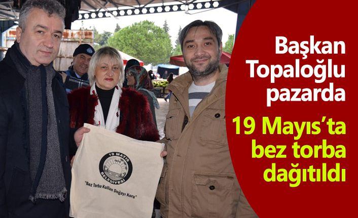 Başkan Osman Topaloğlu bez torba dağıttı