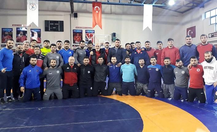 Serbest Güreş Milli Takımı Rusya'da