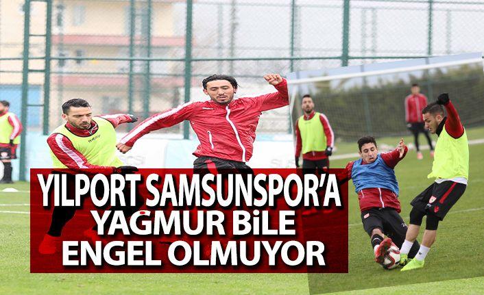 Yılport Samsunspor Yağmur Altında taktik çalıştı
