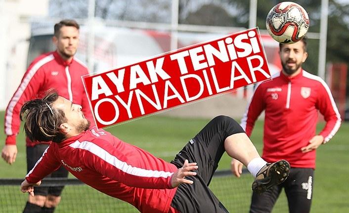 Samsunspor'lu Futbolcular Ayak tenisi oynadılar