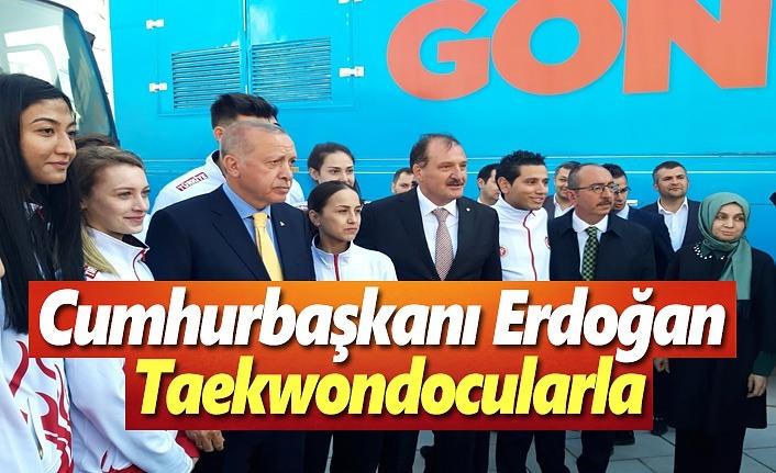 Cumhurbaşkanı Erdoğan Taekwondocularla