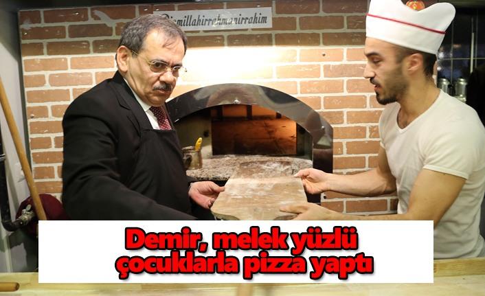 Demir, melek yüzlü çocuklarla pizza yaptı