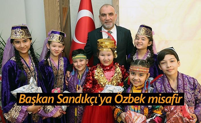 Başkan Sandıkçı Özbek misafirini ağırladı