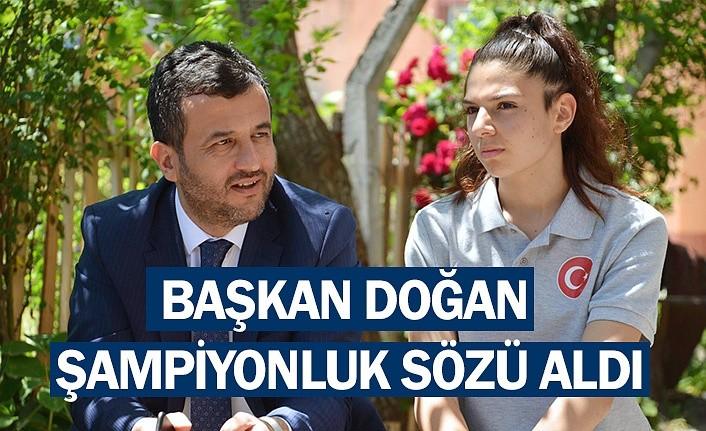 Başkan Halit Doğan'dan Dünya Şampiyonu'na ziyaret