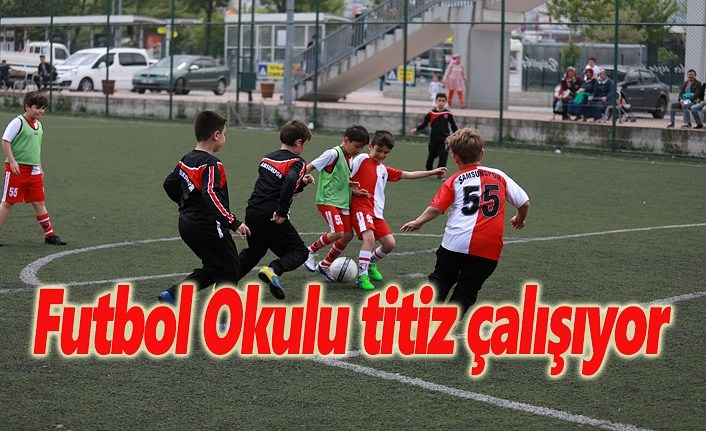 Futbol Okulu titiz çalışıyor