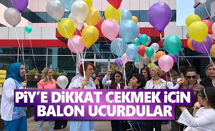 Piy'e Dikkat Çekmek İçin Balon Uçurdular