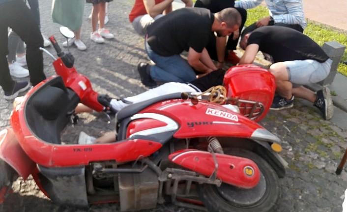 Atakum'da genç kız motorsikletle kaza geçirdi