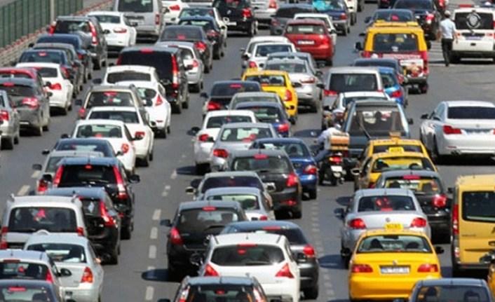 İkinci el araç satıcılarının dikkatine, yetki belgesi alım süresi uzatıldı!