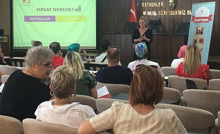 Anadolu Vakfı ''Değerli Öğretmenim'' ile girişimcilik eğitimlerine devam ediyor
