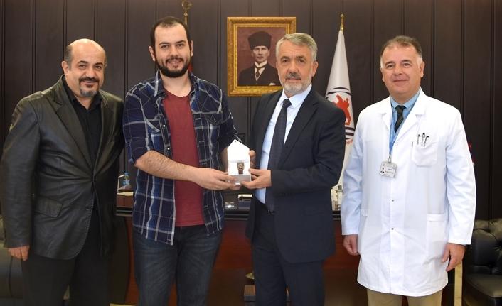 2019 DUS Birincisi Murat Tugaç'tan Rektör Bilgiç'e ziyaret