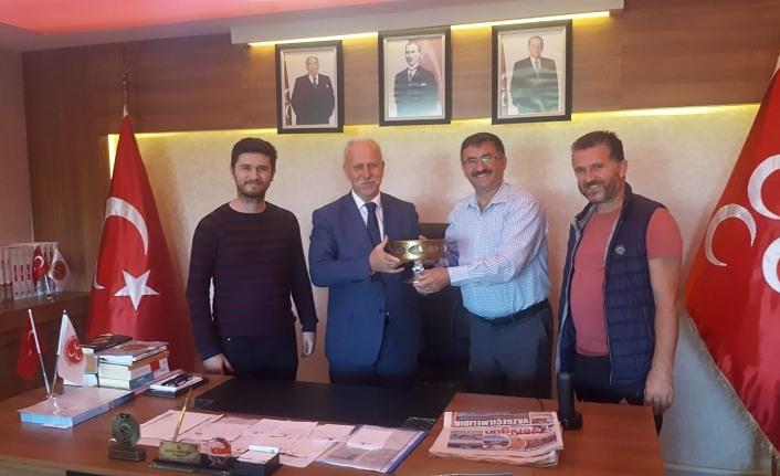 Samsun MHP'ye Beykoz Samsunlular Derneği'nden teşekkür ziyareti