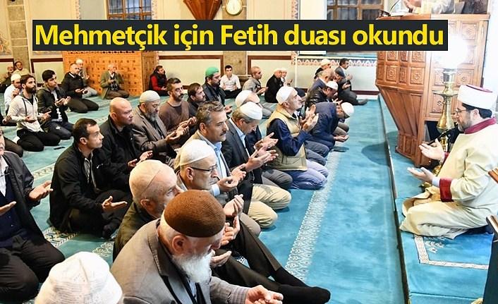 Tüm camilerde Mehmetçik için Fetih duası okundu