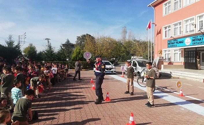 İl Jandarma'dan öğrencilere trafik eğitimi