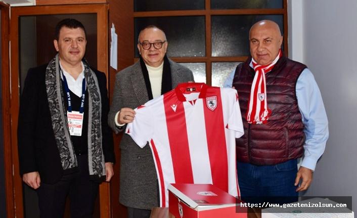 Manisa FK Başkanına Samsunspor Forması