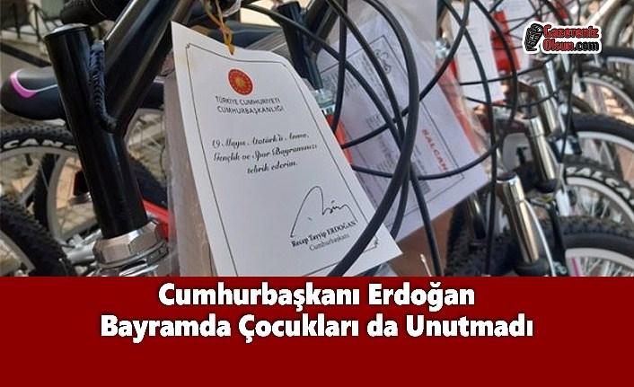 Cumhurbaşkanı Erdoğan Bayramda Çocukları da Unutmadı