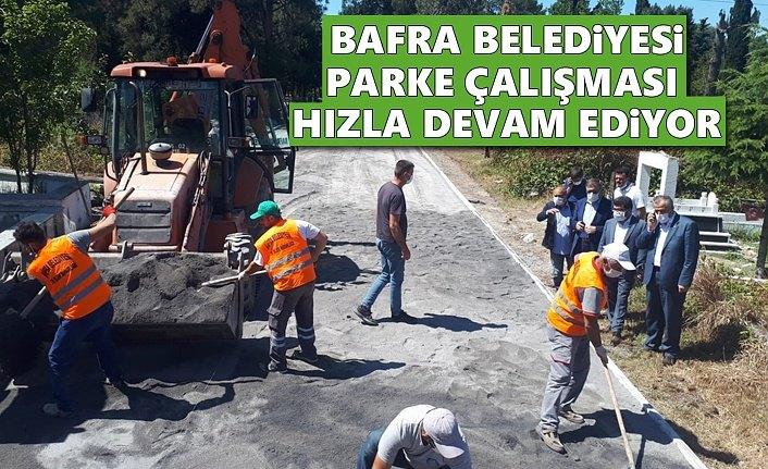 Bafra Belediyesi Asri Mezarlık Yoluna Parke Taşı Döşüyor