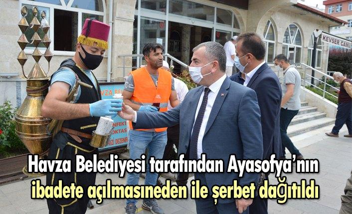 Havza Belediyesi tarafından Ayasofya'nın ibadete açılmasıneden ile şerbet dağıtıldı