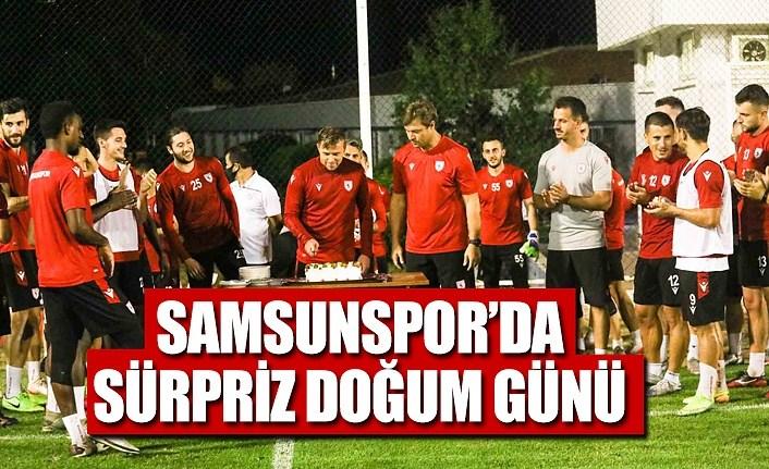 Samsunspor antrenman yaptı ve doğum günü kutladı
