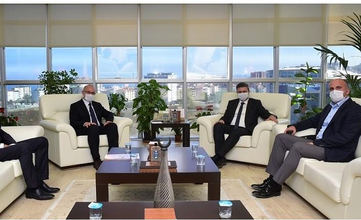 Rektör Ünal İlkadım İlçe Milli Eğitim Müdürü Halil İbrahim Akmeşe'yi Ağırladı