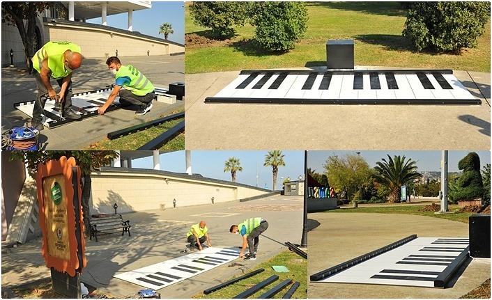 Şehrin iki noktasına çocuklara ayak piyanosu - Samsun Haber
