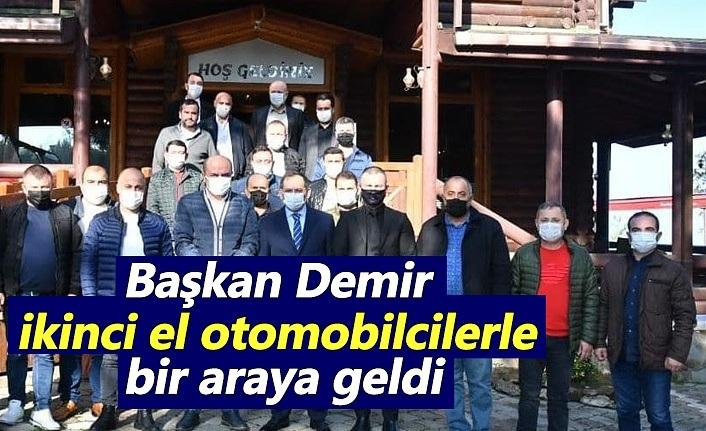 Başkan Demir, ikinci el otomobilcilerle bir araya geldi