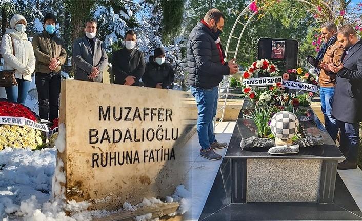 Mete ve Muzaffer mezarı başında anıldı
