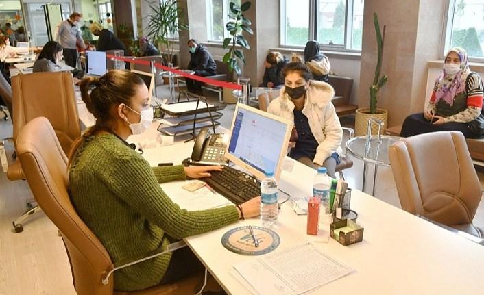 SBB Çözüm Merkezi'ne 74 bin 283 başvuru ile 242 bin 39 çağrı