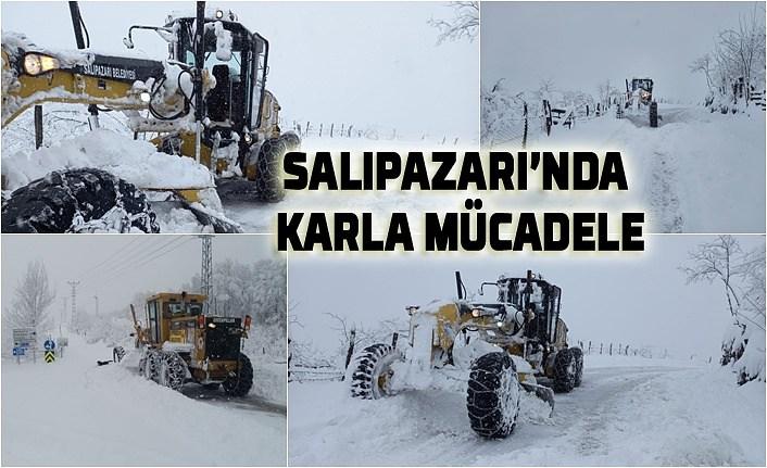 Salıpazarı'nda karla mücadele devam ediyor