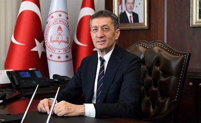 Hafta sonu serbestliğine Milli Eğitim Bakanı Selçuk'tan çağrı