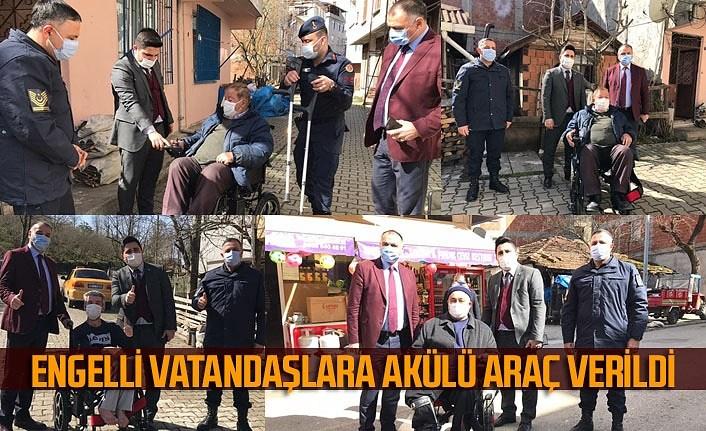 Salıpazarı'nda engelli vatandaşlara akülü araç verildi