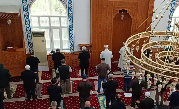 Teravih namazı nasıl kılınır? Teravih namazı kılınacak mı? Ramazan'da teravih namazı var mı?