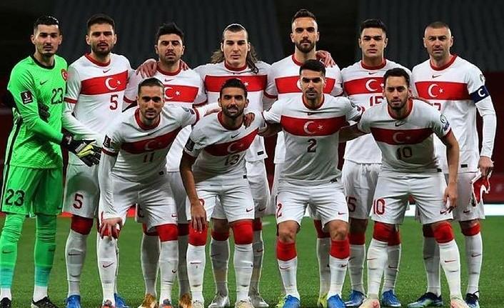 Türkiye Letonya maçı seyircili mi oynanacak? Milli maç seyircili