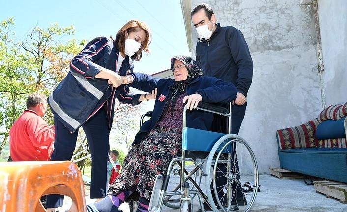 Engelli vatandaşlara tekerlekli sandalye - Samsun Haber