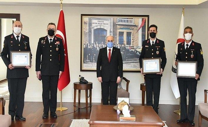 Vali Dağlı'dan Jandarma'ya başarı belgesi