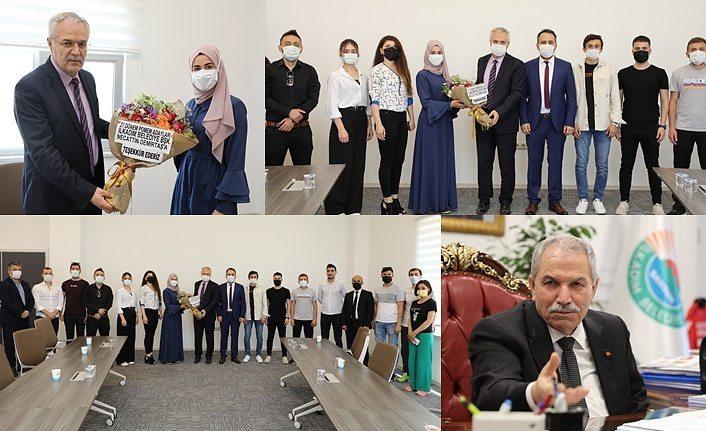 Gençlerden Başkan Demirtaş'a teşekkür