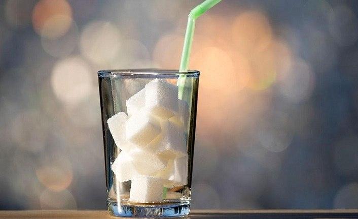 Şekerli içecekleri en çok kimler tüketiyor!