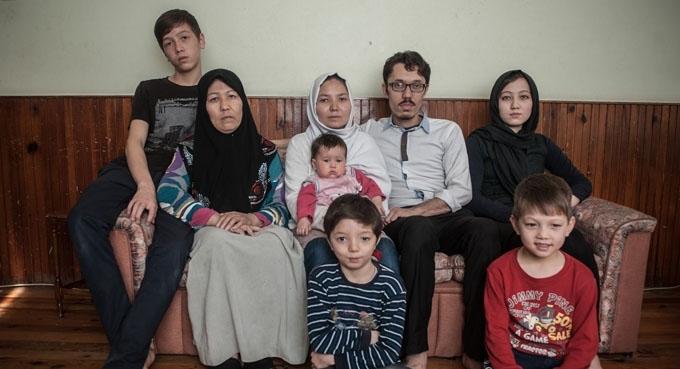 Afganistan'dan Türkiye'ye çocuklarını okutmak için geldi
