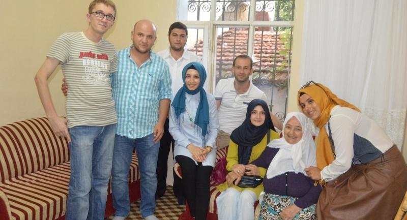 AK Parti İlkadım Gençlik Kolları yaşlıları evlerinde ziyaret etti