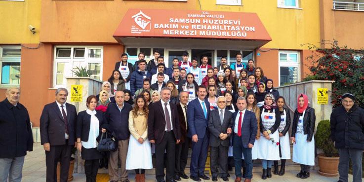 Aşçılık Okulu Öğrencileri'nden Huzurevi'ne ziyaret