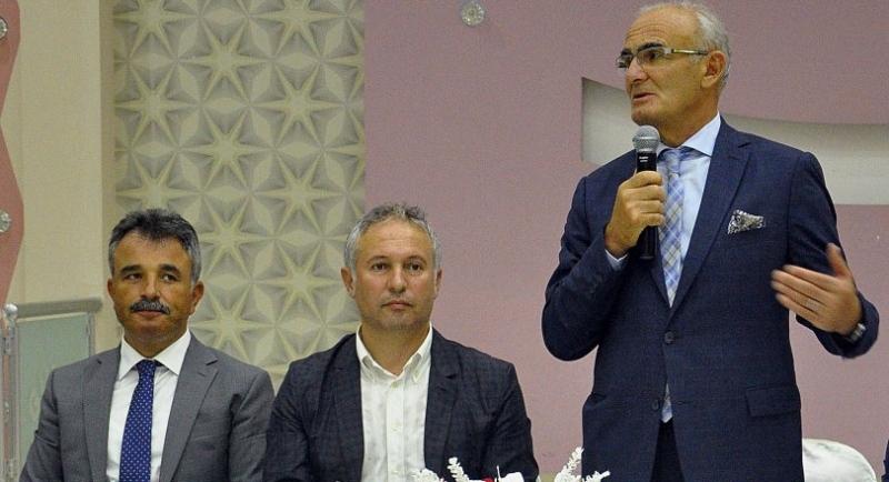 Ayvacık'ta Başkan Yılmaz'a onur yemeği
