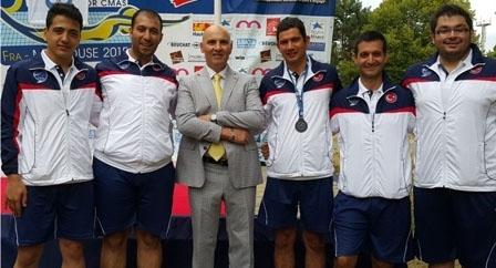 Bakan Kılıç Dünya Şampiyonu olan sualtı hokey takımını tebrik etti