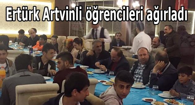 Başkan Ertürk öğrencileri ağırladı