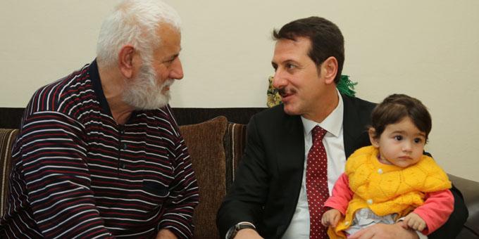 Başkan Tok'tan hastalara moral ziyareti