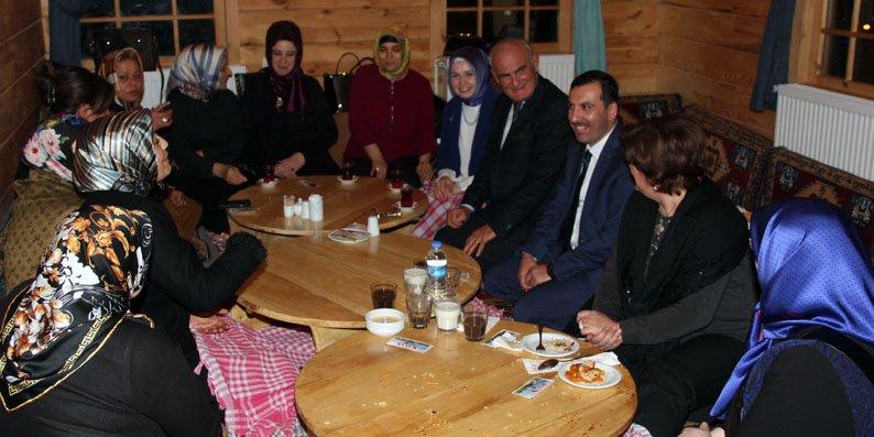 Başkanlar Kavak Tirit Evi'nde