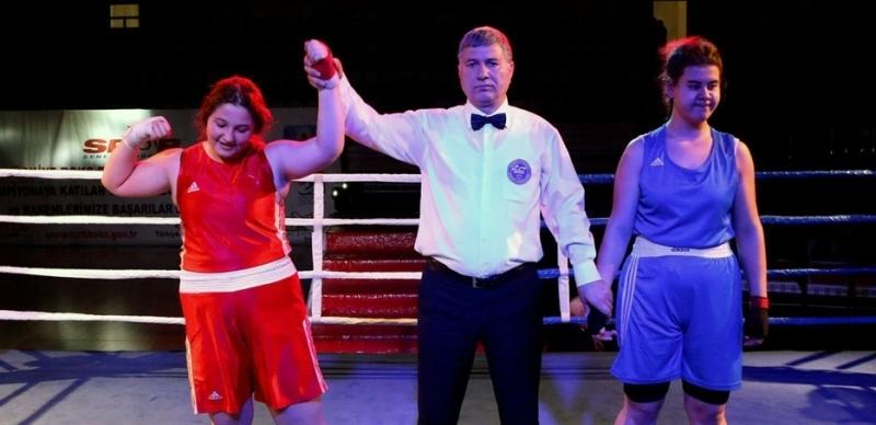 Canik Belediyespor Boks Takımı'ndan büyük başarı