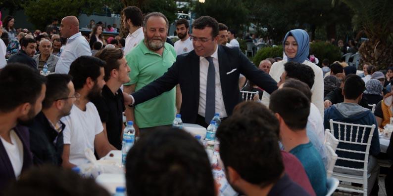 Dev iftar sofrasında bin 700 Atakumlu biraraya geldi